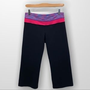 LULULEMON Groove Crops Size Small